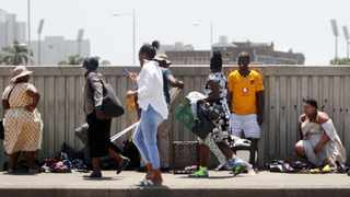 """""""Be resolute about wearing a mask. And be insistent about keeping 2m away from anyone – everywhere."""" Picture: Bongani Mbatha /African News Agency (ANA)"""