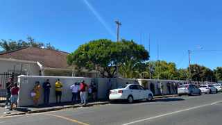 People wait outside in a long queue at the Hamidi Covid-19 testing lab in Claremont in Cape Town on Saturday morning, January 2, 2021. Photo: ANA/Chelsea Lotz