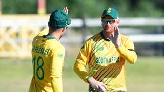 FILE - Faf du Plessis of South Africa celebrates with Heinrich Klaasen, right, who had just taken a catch to dismiss England's Jason Roy off the bowling of Lungi Ngidi during a T20I game at Boland Park in Paarl on 29 November 2020. Klaasen tested positive for Covid-19 after the match and hasn't played an official game since. Photo: Ryan Wilkisky/BackpagePix