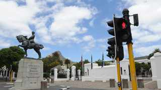 SA began an official mourning period on Wednesday for those who have died of the coronavirus or fallen victim to gender-based violence.The national flag will be flown at half-mast for five days to commemorate the more than 21 000 people who have died as a result of Covid-19. Picture: Ayanda Ndamane/African News Agency(AN)