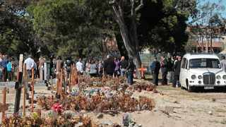 Mourners at the Maitland Cemetery adhere to the lockdown regulations which stipulate that a maximum of 50 mourners are allowed at a funeral. Picture: Ian Landsberg/African News Agency (ANA).