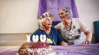 ELMA Noyle celebrated her 100th birthday with her daughter Denise Reid, friends and family at Tafta On Ridge. Picture: MOTSHWARI MOFOKENG /African News Agency / (ANA)