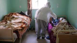 A nurse in full PPE in the isolation ward at the Kensington Home for the Aged. Picture: Ian Landsberg/African News Agency (ANA).