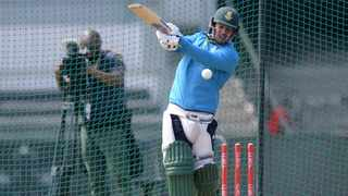 Proteas captain and wicketkeeper Quinton de Kock bats in a nets session ahead of their T20 international against England on Friday. Photo: Ryan Wilkisky/BackpagePix