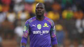 Goal-minder, Denis Onyango, has however taken a different route and snubbed an opportunity to join the list of these talented players who are plying their trade abroad. Photo: Sydney Mahlangu/BackpagePix