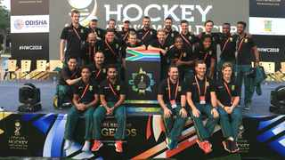 The SA Hockey men meeting supporters at the World Cup's Fan Village. Photo: @sports_odisha on twitter