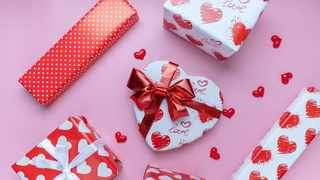 Valentine's Day spend is expected to decline this year, amid the Covid-19 pandemic that has strained household budgets and limited entertainment options according to FNB. Photo: Pixabay