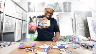 Nestlé yesterday unveiled a partnership between its South African popular confectionery brand, Nestlé Smarties and contemporary recycling artist Mbongeni Buthelezi as it launched the brand's 100 percent recyclable packaging in a first. Photo: Nestlé/Twitter