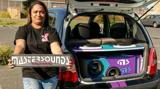 Beauty & the bass: Cape Flats meisie loves the thrill of blasting her little ride