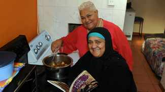 Cooksisters: Recipes from legendary aunties Koelie and Flori