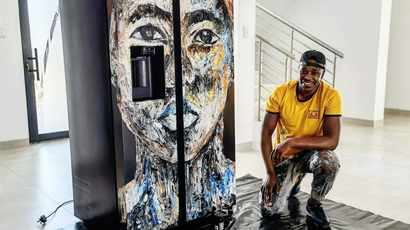 Cassper Nyovest commissions local artist Ennock Mlangeni to transform his pool into a work of art