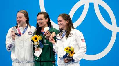 Schoenmaker sets new world record to win SA's first gold in Tokyo