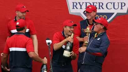 Woods inspires from afar as US throttle Europe in Ryder Cup