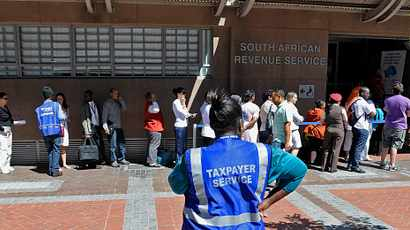 Time running out to file income tax return at a Sars branch