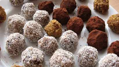 Trying to cut out added sugars? Let date balls tame your sweet cravings