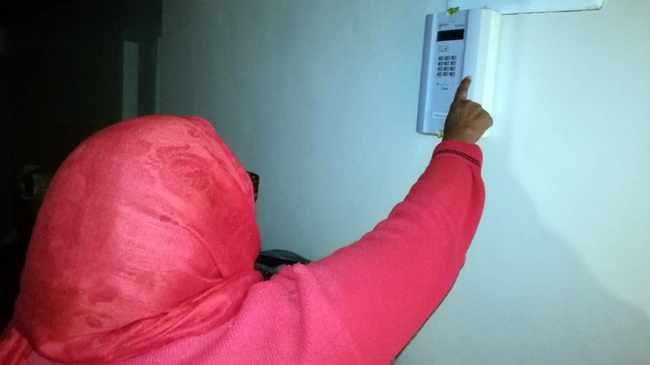 COMPLAINT: Maritz Electrical installed the krag box at Suewayba's home. Picture: Junior Bester