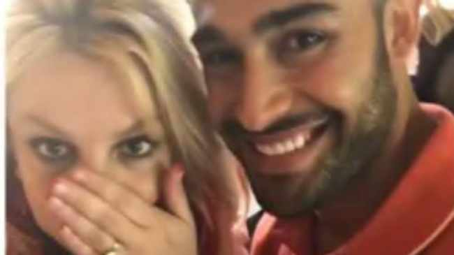 PUT A RING ON IT: Britney and Sam