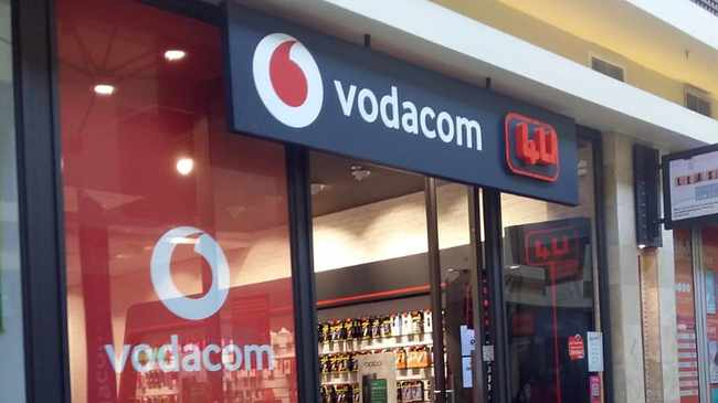 TARGET: Four armed men stormed Vodacom at Vangate Mall and took cash. Picture: Nomzamo Yuku