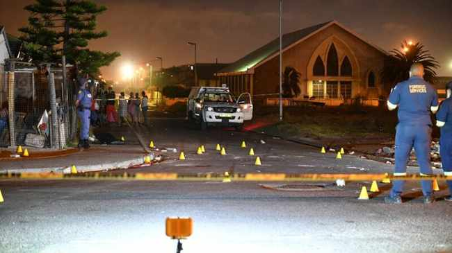 A CAPE FLATS NIGHTMARE: Crime, drugs and gangsterism rip our communities to shreds. File photo: Leon Knipe