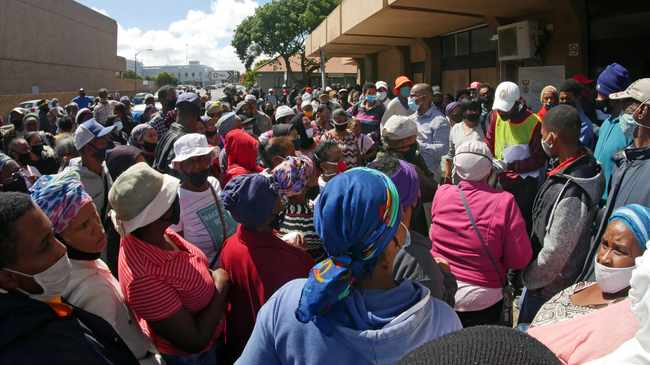 IT'S CHAOS: SA Human Right Commission to probe a death, ill-treatment at Sassa offices. Picture: Ian Landsberg/African News Agency (ANA).
