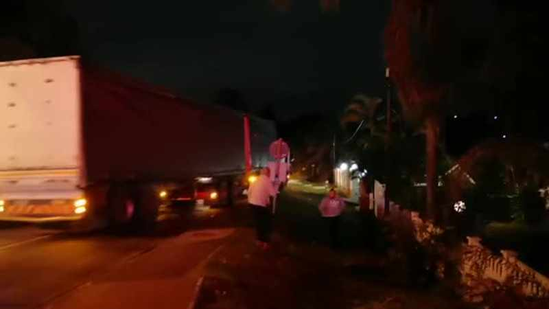 WATCH: Truck driver dies after colliding with four cars and house in freak Pinetown crash, Newsline