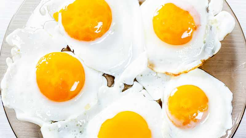 08736154 a49a 521d b806 eaa9b92422e2 - 3 recipes that prove you should be eating eggs for dinner