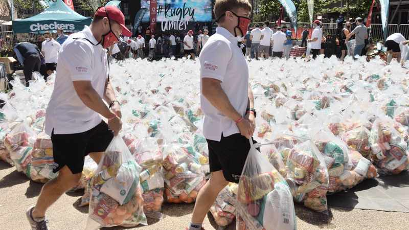 Covid-19: Rugby players donate food hampers to poor families, Newsline