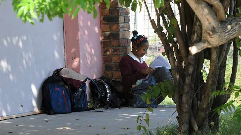 Cape MEC provides 60 matric pupils from Hanover Park a safe space to study, Newsline