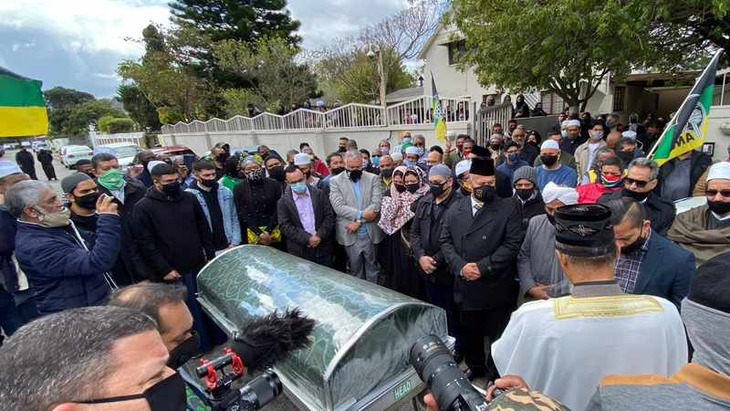 5fa89467 eb2f 5f18 a75c 3537e2b29299 - 'Servant of the people' Advocate Hishaam Mohamed laid to rest