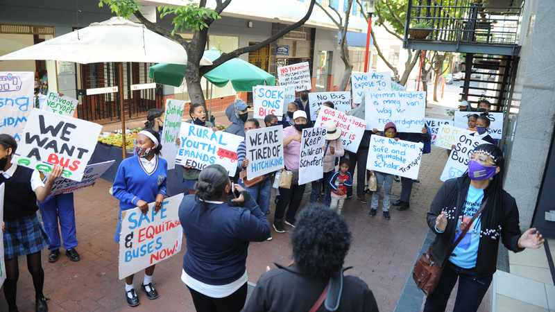 e4ad8ed5 6660 5c9f ae09 64b333b80e29&operation=CROP&offset=0x437&resize=4256x2395 - WATCH: Pupils from Wellington high schools protest over lack of safe transport