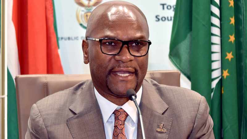 Nathi Mthethwa tells CSA to comply with Sascoc's demands, Newsline