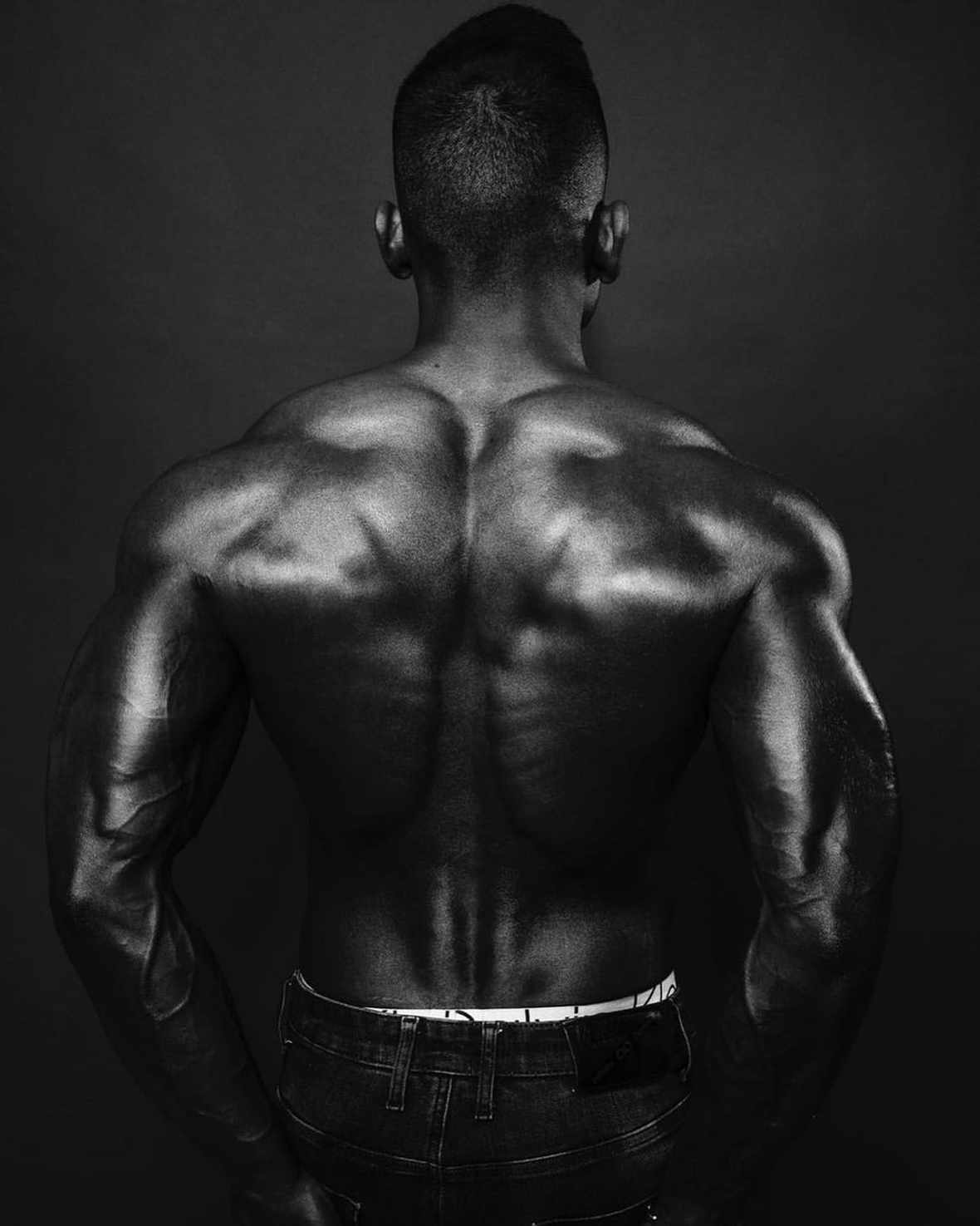 A man's back: image: Instagram @south_african_fitness