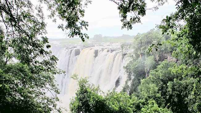 Why Vic Falls is the perfect summer holiday destination for South Africans
