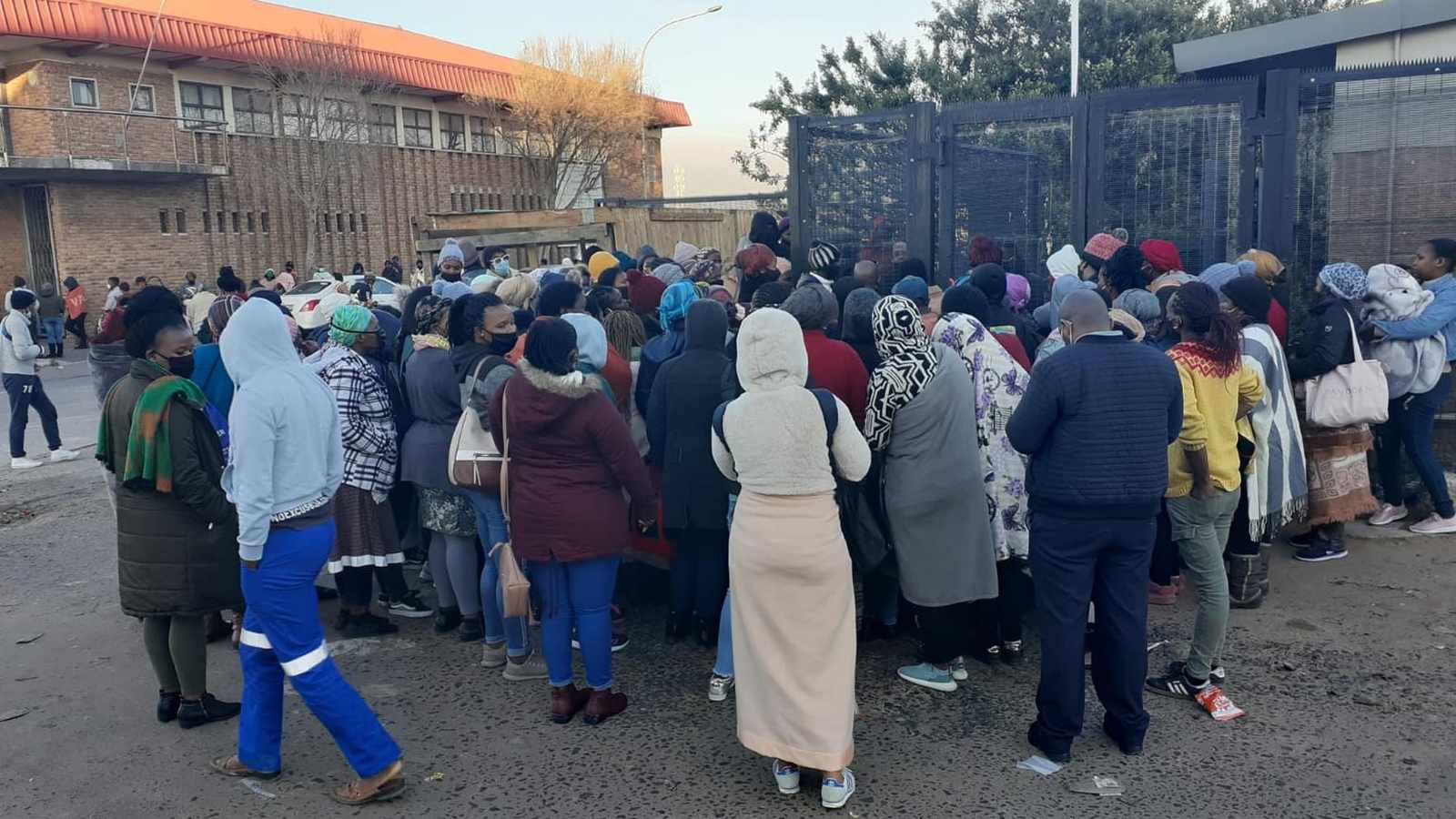 Angry beneficiaries storm into Sassa office