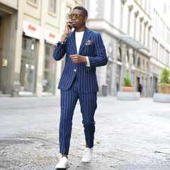 How to know if your suit can be paired with sneakers