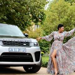 Basetsana Kumalo receives a R2.8m Range Rover gift from Minnie Dlamini-Jones