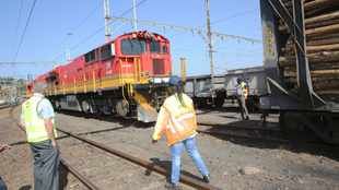 Transnet to begin transporting non-essential cargo during lockdown
