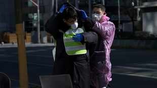 China reports 2 048 new confirmed coronavirus infections, 105 new deaths