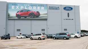Ford suspends dividend, borrows to weather virus downturn