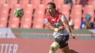 Skosan scores late as Lions hold off Highlanders