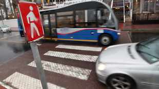 Capetonians call for more speed bumps, pedestrian crossings to alleviate City Bowl traffic