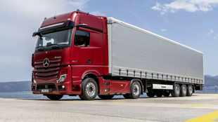 Merc's new flagship truck replaces mirrors with cameras