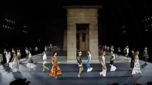 WATCH: Karl Lagerfeld brings ancient Egypt to Chanel show at the NY Met