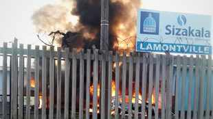 eThekwini vehicles set alight in Lamontville as protesters demand service delivery