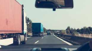 10 tips for sharing the road with long-haul trucks