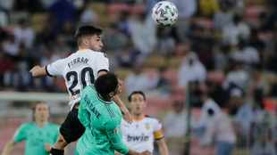 Man City set to sign Valencia winger Torres - reports