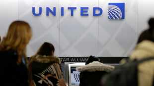 United Airlines expands mask mandate to airports, tightens exemptions