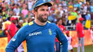 Former Proteas player McKenzie roped in to help sinking Stars