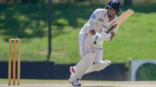 Gritty Dolphins live to fight on at the Wanderers