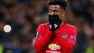 Gomes completes Lille move after leaving Man United